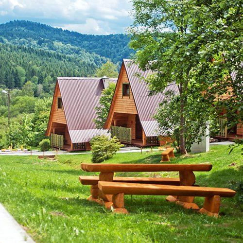 domki w lesie